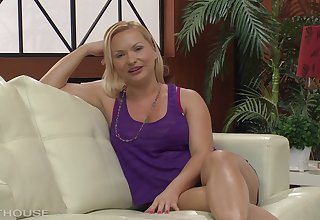 Katja Kassin is drilled perfectly her holes