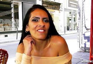 Hot arabic MILF amateur porn photograph