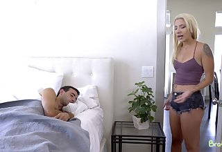 Nice fucking in the morning with adorable blonde Sophia Grace