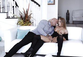 Subhuman sex serves to pleasure refined Britney Amber forth full