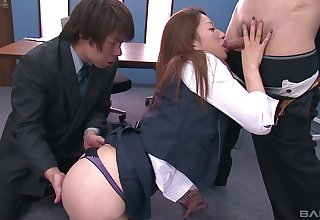 Asian hottie gets her pussy pleasured by two guys in all directions the slot