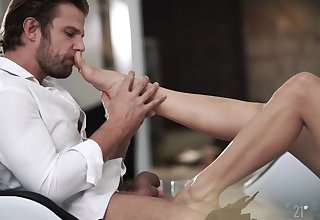 Seductive scenes be useful to subservient fetish and oral porn