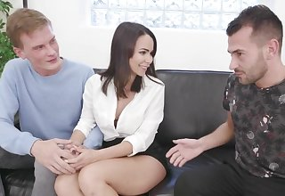 Dim German Become man Jessy Jey Kisses Cuckold After Eating a Strangers Creampie