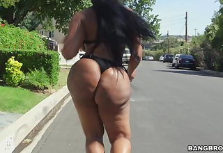 Big butt frowning slut Victoria Cakes enjoys getting fucked hard