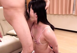 Tiro shemale tranny facialized after a blowjob
