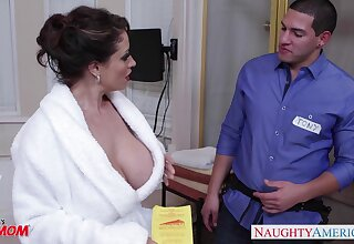 Dangerously attracting housewife Eva Notty fucks a plumber in the bathroom
