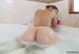 Sexy Dani Daniels bathes before she gets her cunt stuffed connected with cock