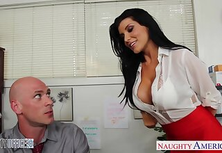 Flirtatious office babe Romi Well forth just wants take get fucked good