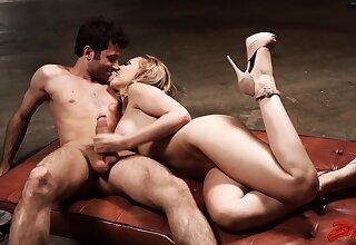 Kinky blonde babe Kagney Linn Karter enjoys having dirty sex