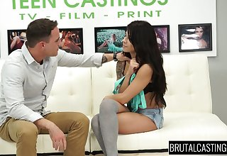 Slutty chick Sadie Pop does her best in hardcore casting video