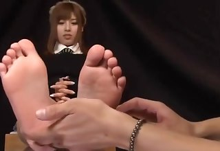 Kokomi Naruse Steamed up Feet on Glass Table and Footjob