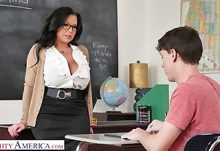 Mega busty cram Sheridan Exalt is eager be beneficial to big dick of sophomore pupil