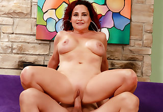 Experienced Full-grown Amanda Ryder Gets Exploitive here a Long Dicked Man