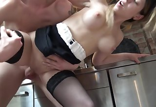 Kamikatzerl - Sexy Sekretarin im Buro vom Kollegen geschwangert!