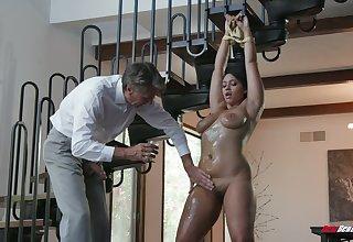 Busty Latina sexpot Emori Pleezer enjoys nothing but riding dick
