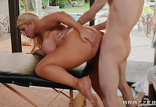 Big ass cougar leaves young masseur to nicked her pussy apart
