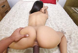 Kinky Family - Eliza Ibarra - I owed my stepsis an orgasm