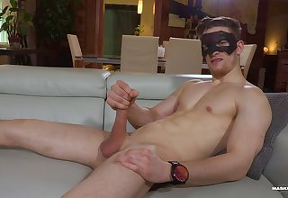 Naked lad jerks off while flashing nude on live cam