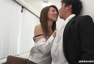 Bossy prostitute Mao Saitou bangs precedent-setting staff member right in the office