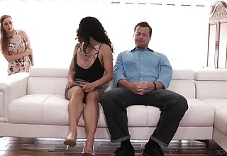 Chit-chat gets heavy increased by dude ends up having a clamminess FFM threesome